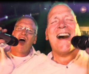 DJ Hans Rikhof en DJ Auke. Al meer dan 36 jaar vrienden